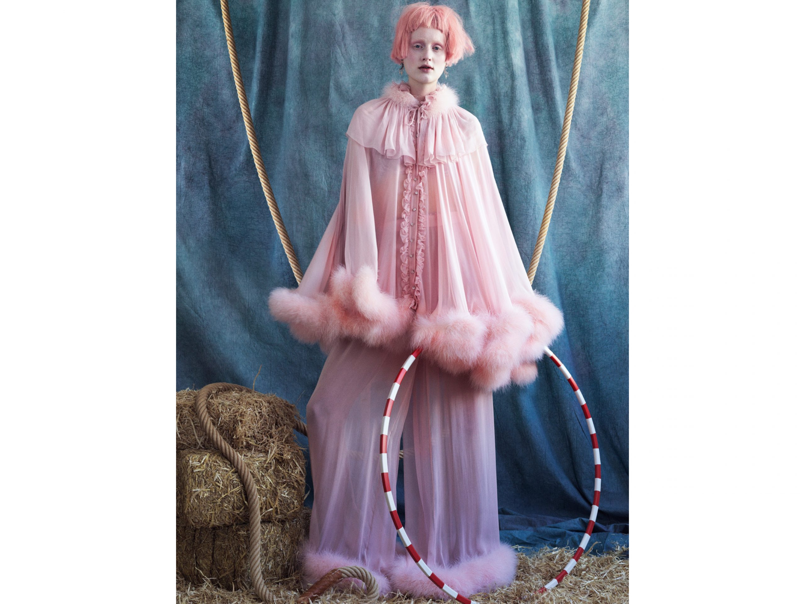Julia_Muller_X_Vogue_Portugal _Circus_pink_EE_Agency